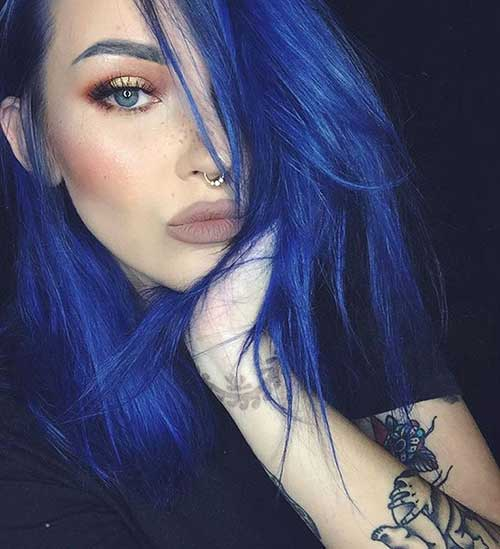 cabelo completamente azul