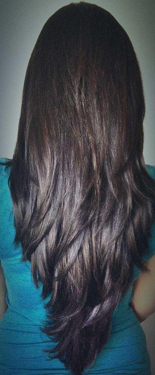 cabelos pretos longos cortados em camadas