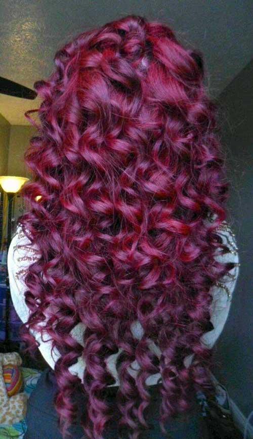 cachos vermelhos feitos com babyliss na cor marsala