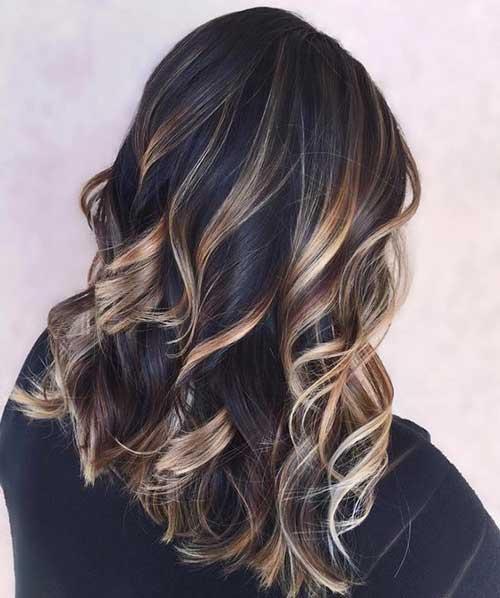 cabelo preto com luzes loiras