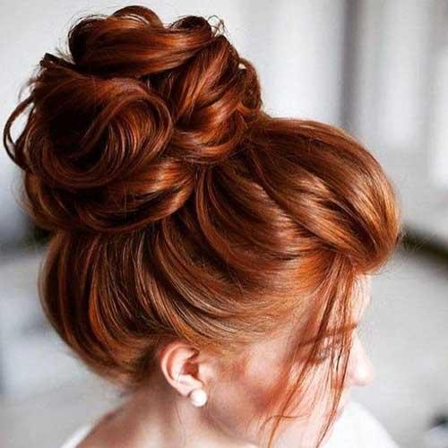 foto de coque em cabelo comprido para festa