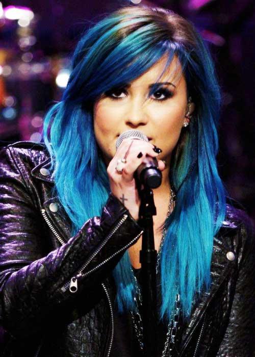 cabelo azul da demi