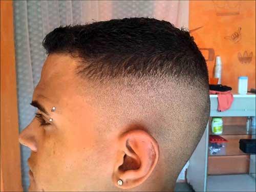 cabelo de homem com disfarce