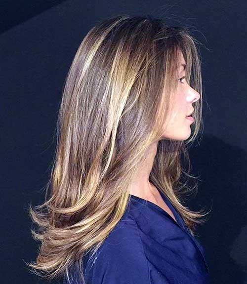 cabelo loiro claro com mechas e luzes