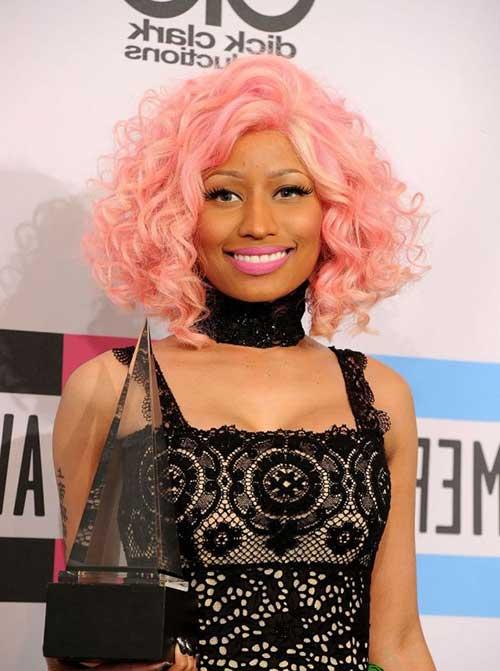 cabelos rosas para morenas