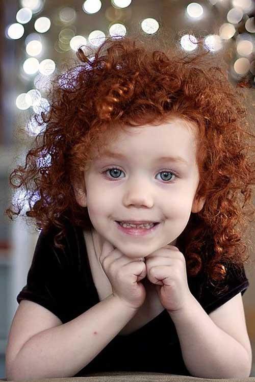 cacho vermelho infantil natural e bem cuidado com produtos naturais