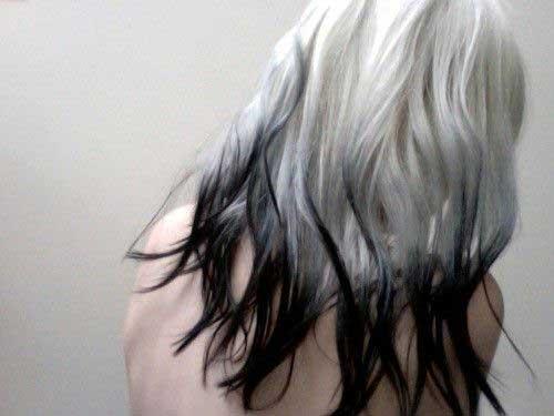 cabelos praticamente todo platinado com ponta escura