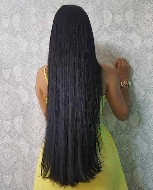 cabelo preto bem comprido abaixo da cintura