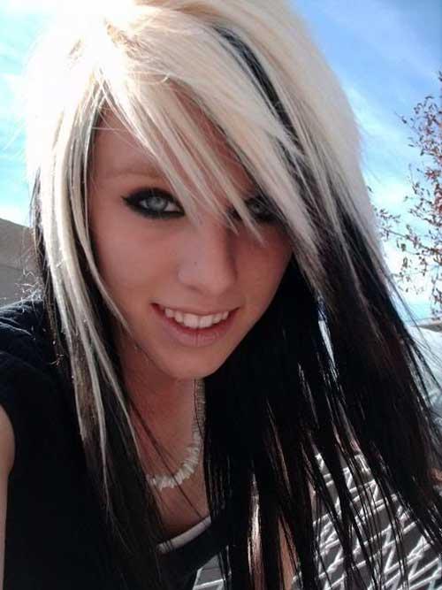 cabelos platinados em cima e mechas pretas