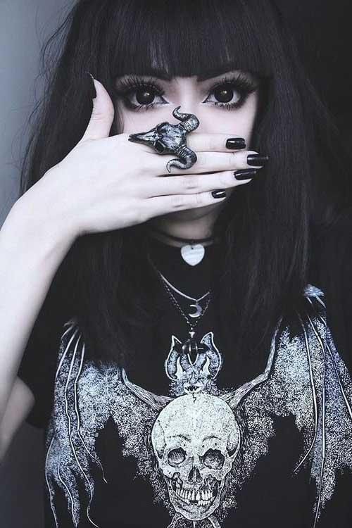 cabelo preto longo de franja reta