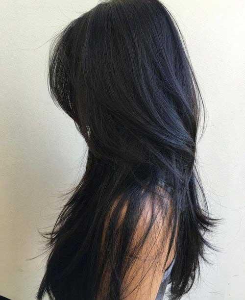 cabelo preto picotado em camadas diferentes