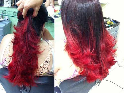 cabelos pretos com mechas vermelhas