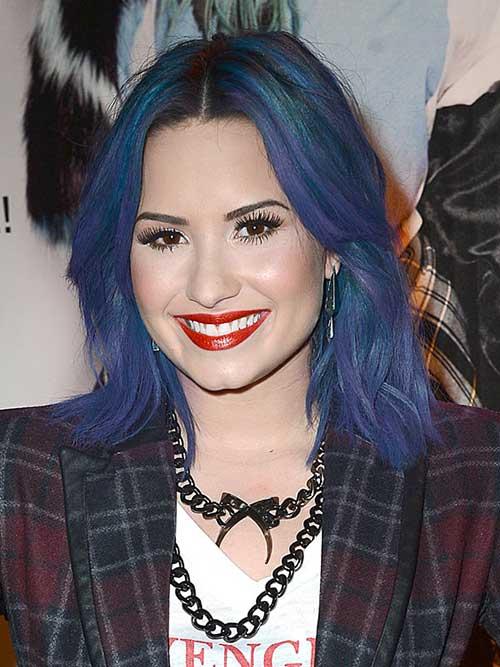 cabelo azul e roxo da demi lovato
