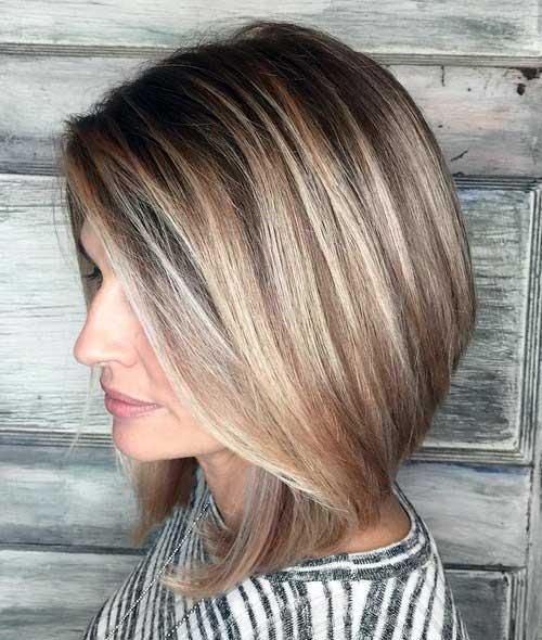 cabelos curtinhos com mechas loiras