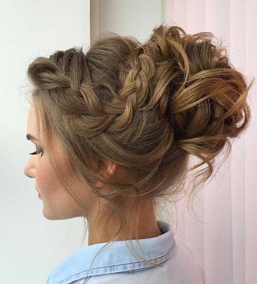 topete de tranças com penteado tipo coque