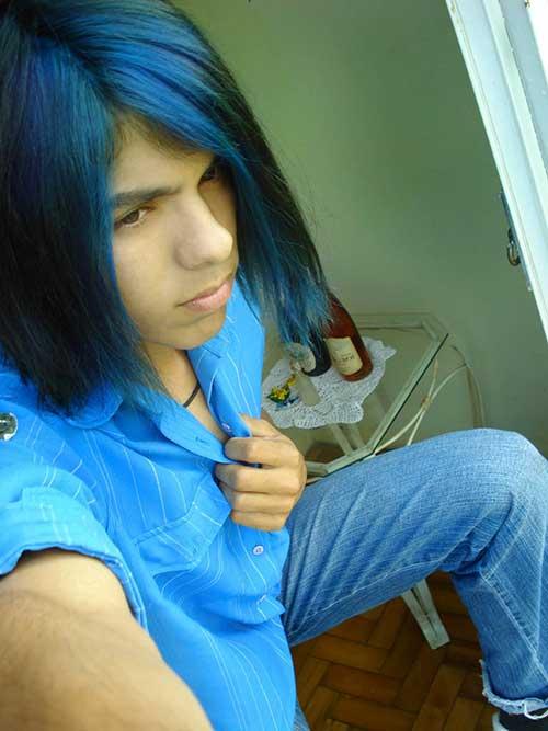 cabelo comprido azul e preto
