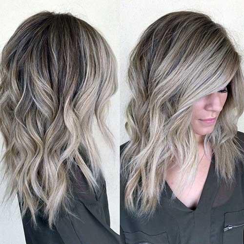cabelo naturalmente iluminado de cinza