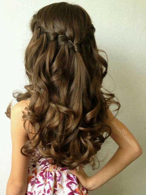 cabelo cacheado modelado pra penteado semi preso