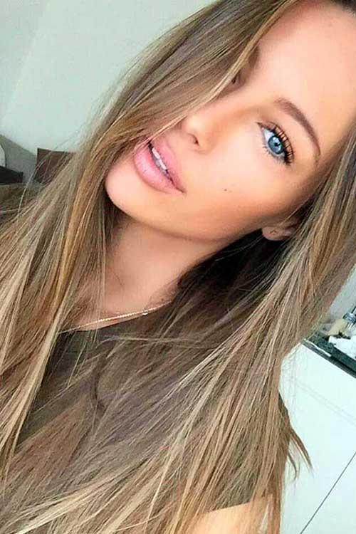 cabelo loiro escuro liso iluminado