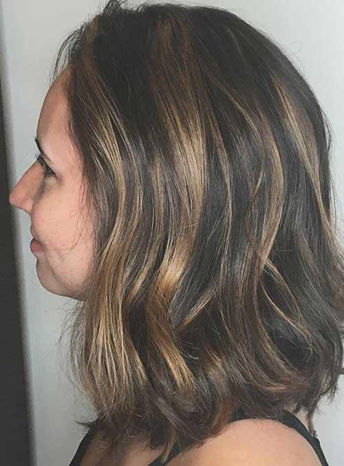 cabelo preto com nuances em loiro mel