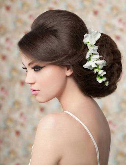 coque baixo com tiara em noivas