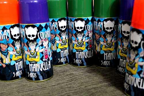 sprays coloridos de varias cores