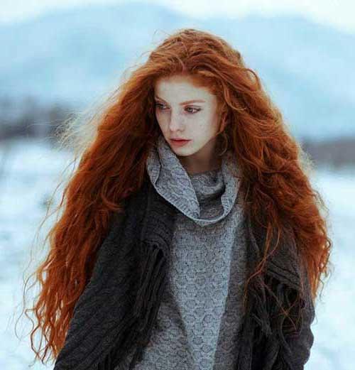 cabelo ruivo nutrido com oleos naturais
