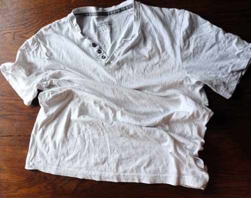 secar o cabelo com blusa de malha