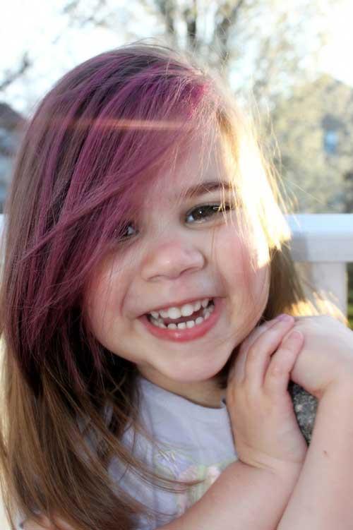 cabelo de menina pintado de roxo