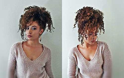 coque abacaxi em cabelo cacheado