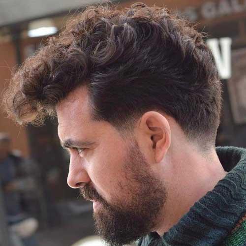 penteado alto para cabelo cacheado