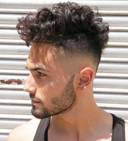 cabelo cacheado masculino atraente