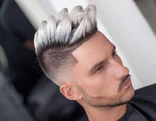 cabelo branco em cima de homem modelado com progressiva