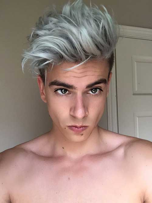 cabelo loiro acinzentado de jovem