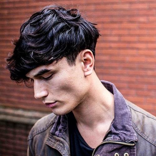 cabelo medio masculino ondulado repicado