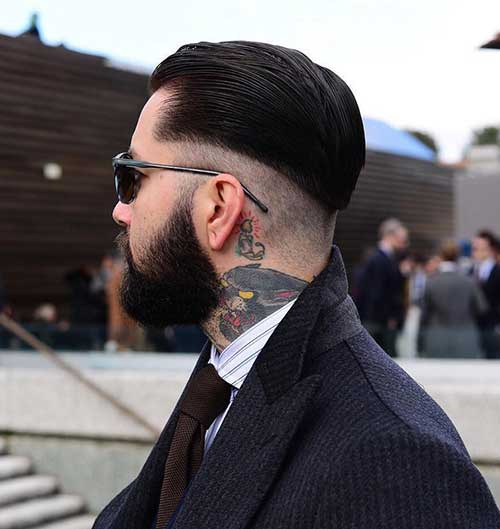 cabelo preto masculino raspado embaixo e na nuca