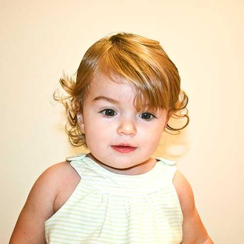 como aparar o cabelo de bebe feminino