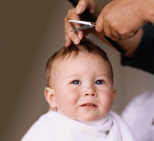 dicas para cortar o cabelo do bebe sozinha