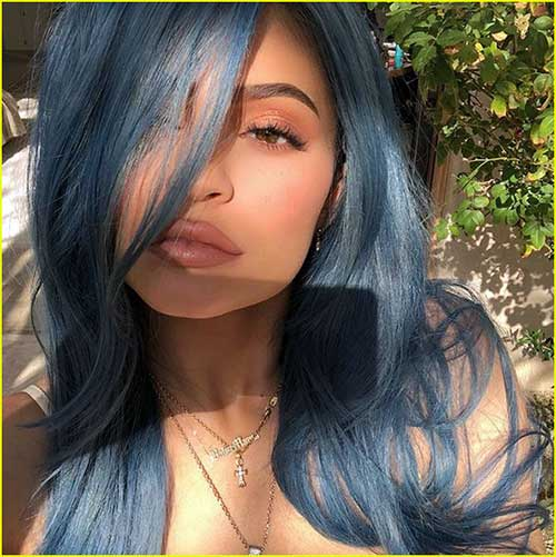 cabelo azul de famosa kylie jenner
