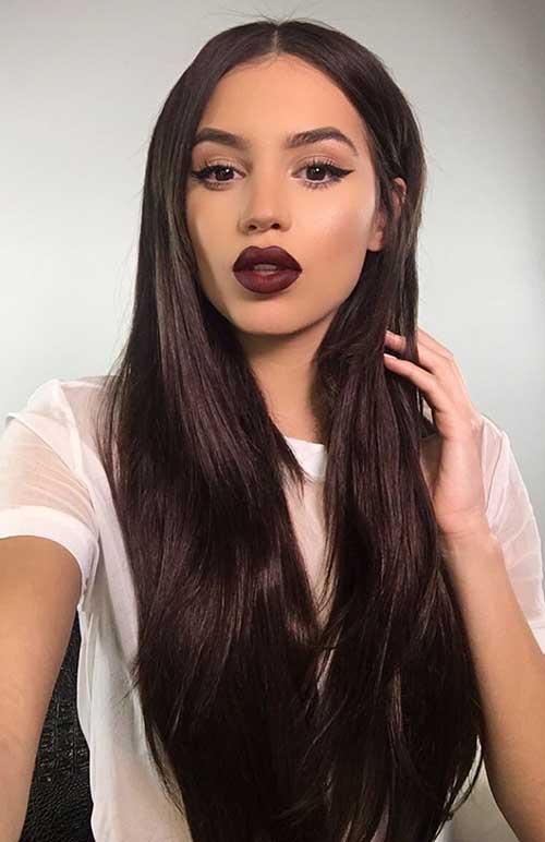 cabelo marrom escuro em cabelo liso