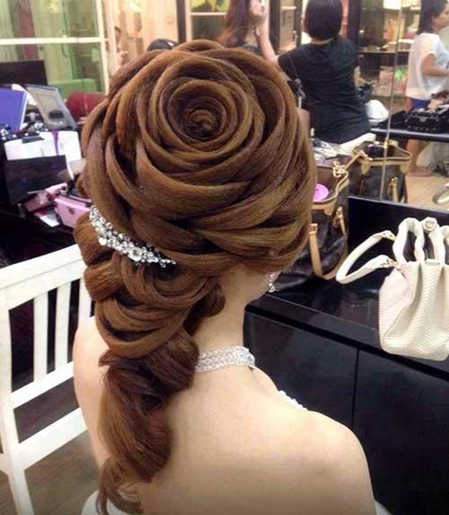 penteado em formato de rosa pra cabelo comprido