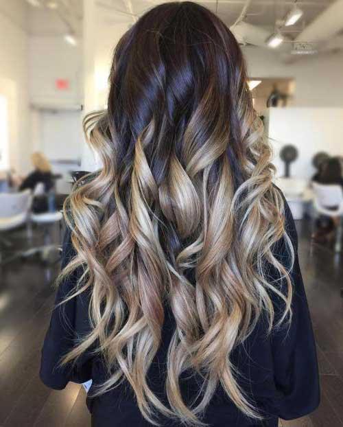 cabelo escuro com ombre cacheado loiro