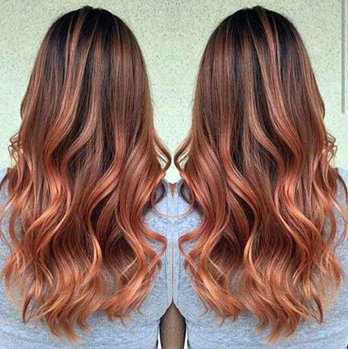 cabelo acobreado pumpkin spice com iluminaçao rosacea