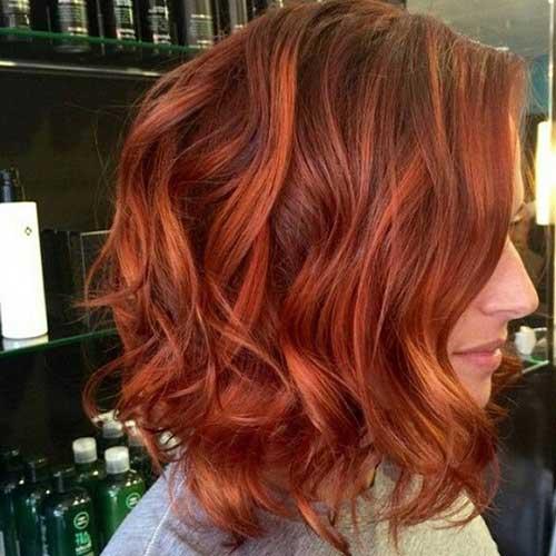 cabelo curto vermelho acobreado