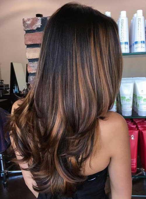 balaiagem caramelo em cabelo bem escuro