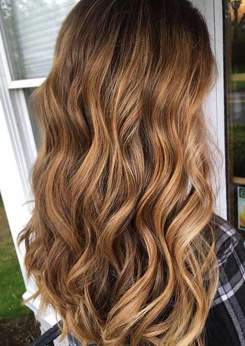 cabelo loiro mel ondulado