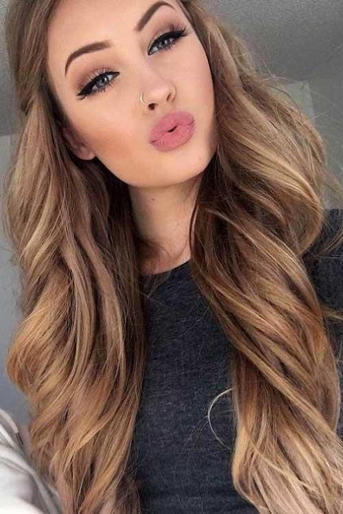 cor de cabelo castanho claro iluminado bonito