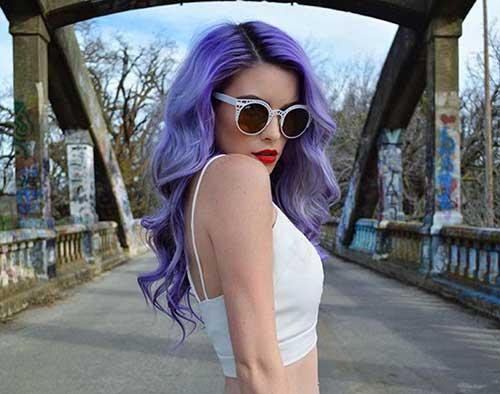 cabelo lilas ondulado em tumblr girl