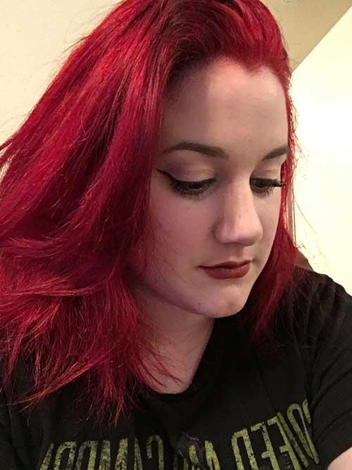 cabelo vermelho fantasia em pele branca feminina