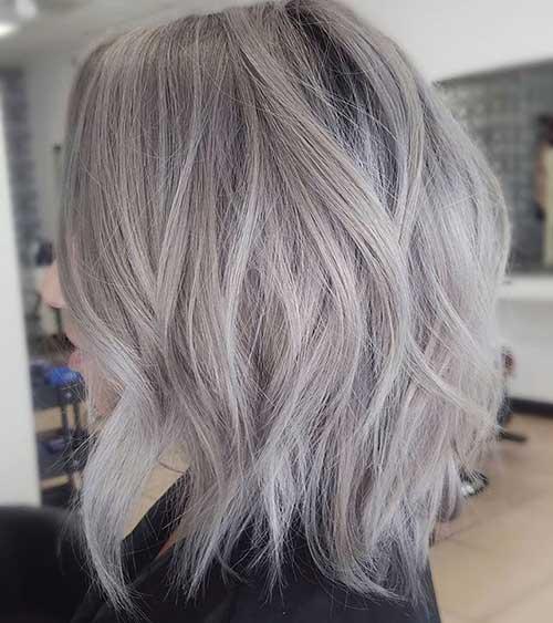 cabelo loiro acinzentado escuro